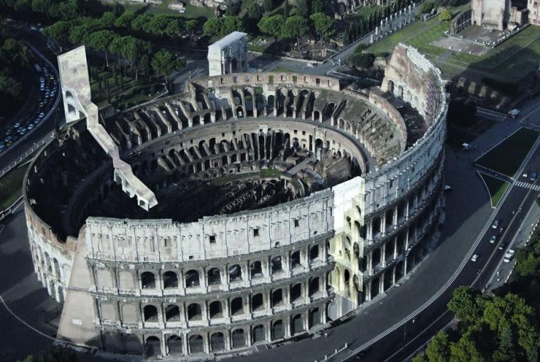 Changing the Face 2008: Hans Focketyn proponował dodanie do oryginalnej bryły Koloseum kopii wycinka zachowanej do dziś zabytkowej fasady, dając większe wyobrażenie turystom o pierwotnym kształcie amfiteatru