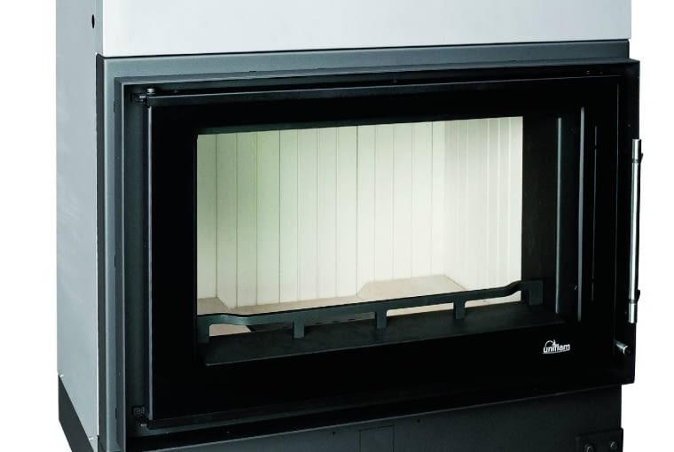 Uniflam 860 Evo/GALERIA KOMINKÓW | Model z DGP | materiał: stal z szamotem | moc: 14 kW | paliwo: drewno | doprowadzenie powietrza z zewnątrz, szyba prosta, deflektory wermikulitowe, stalowe wymienniki. Cena: 5099 zł, www.galeriakominkow.pl