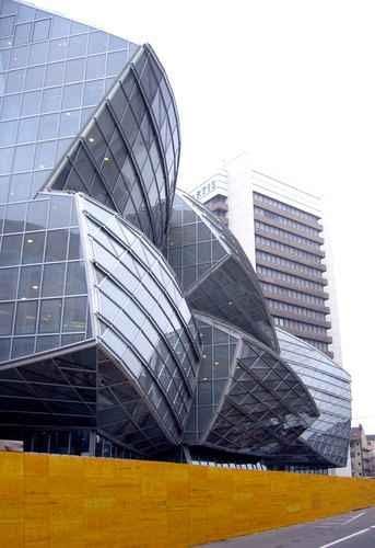 biurowce, szwajcaria, architektura, ekologia, dekonstruktywizm, frank gehry
