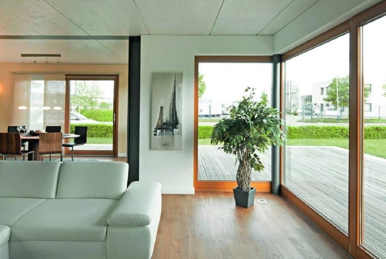 W ograniczeniu dostępu zewnętrznych źródeł hałasu może pomóc wybór okna z właściwą szybą dźwiękochłonną
