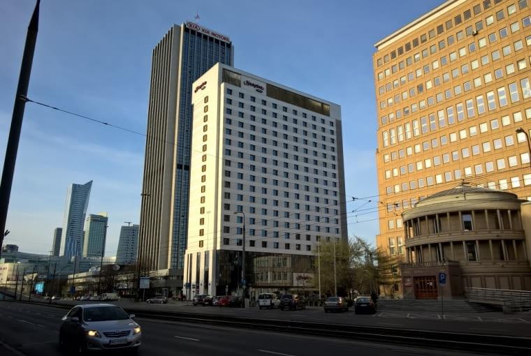 Hotel Hampton by Hilton w centrum Warszawy