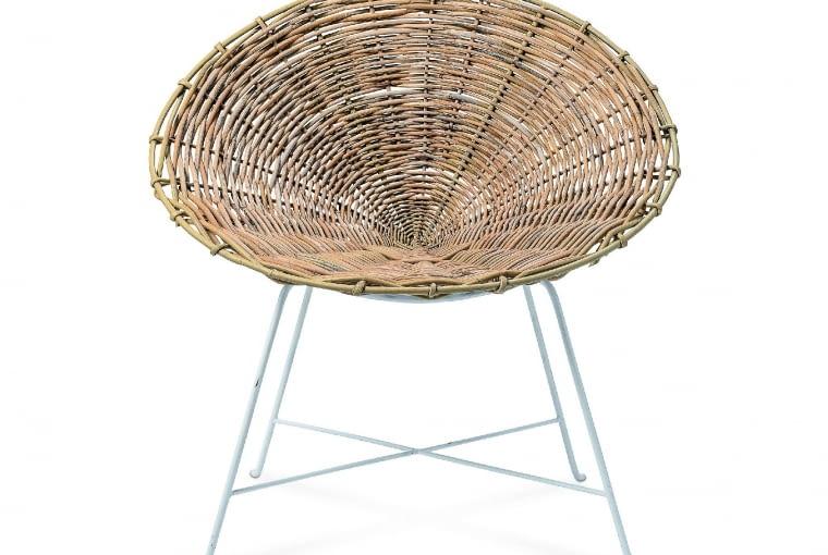 Armchair. Fotelik z naturalnego materiału, z siedziskiem zaprojektowanym na planie koła, 879 zł, Bloomingville/agamartin.com