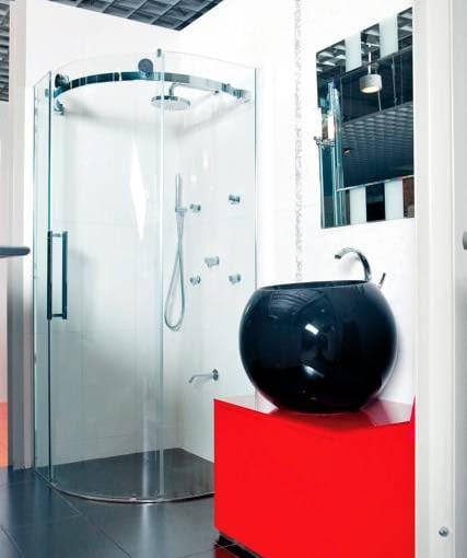 Podstawą konceptu Modesto jest ceramika łazienkowa Sfera w czarnym kolorze. Umywalka, bidet i sedes w kształcie kuli oraz elegancka kabina prysznicowa sprawiają, że wnętrze wygląda bardzo nowocześnie.