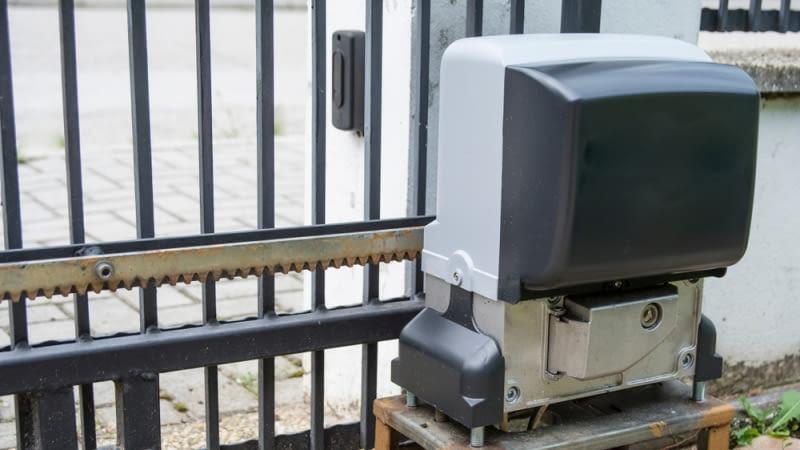 Automatyka bram. Co warto wiedzieć przed wyborem systemu