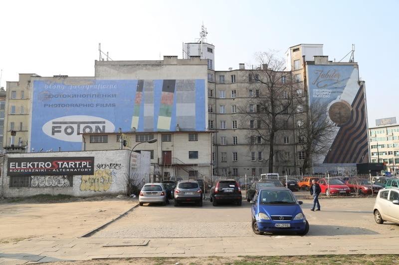 Nieistniejące już murale przy ul. Targowej 15 w Warszawie