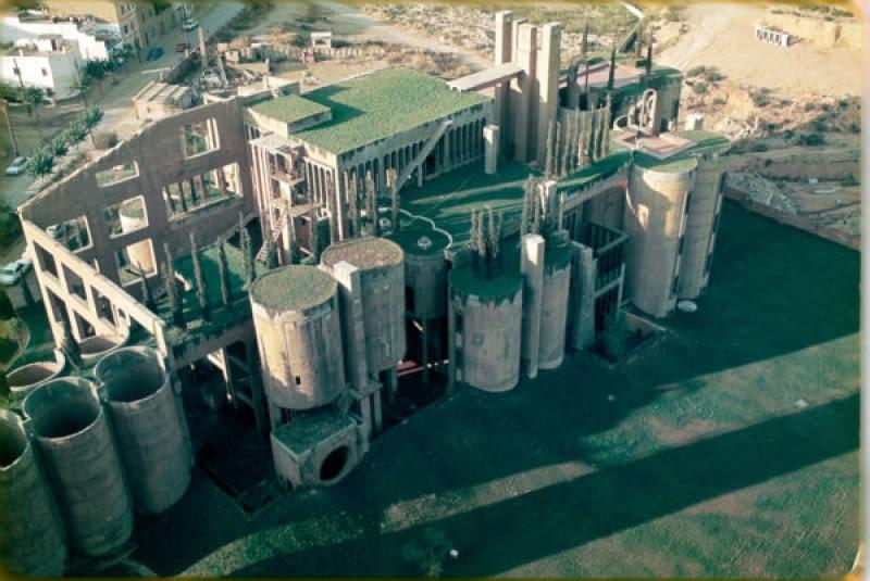 Metamorfoza opuszczonej fabryki w Barcelonie
