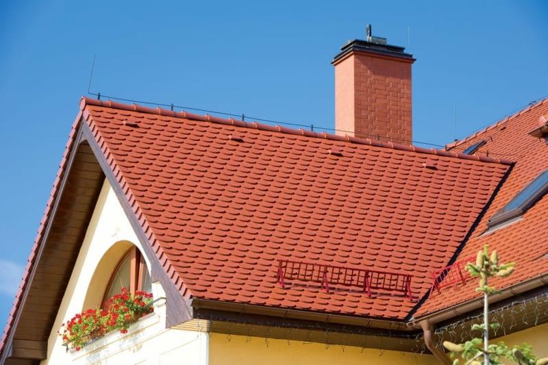 Kosz dachowy to miejsce, wymagające szczególnego zabezpieczenia. Służy do tego gotowa obróbka, zwana rynną koszową