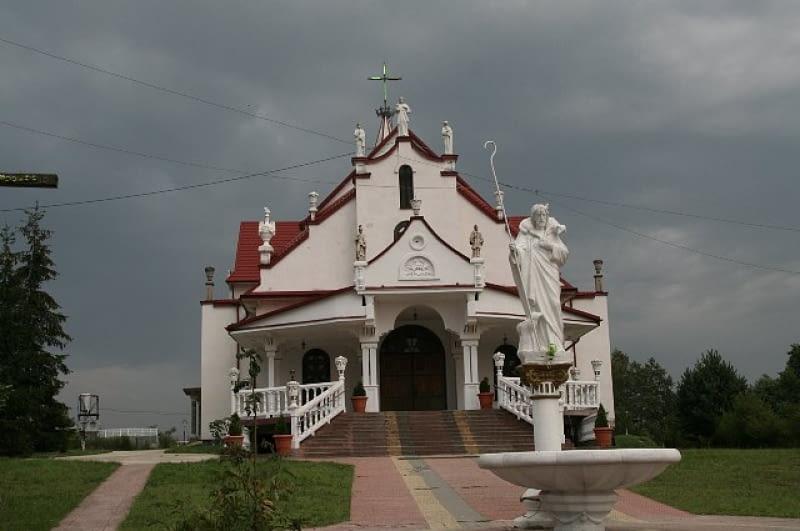 Kościół parafialny w Krowicy na Roztoczu