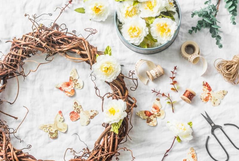 Wiosenne dekoracje. Zamień swój dom w ogród łatwo i niedrogo.