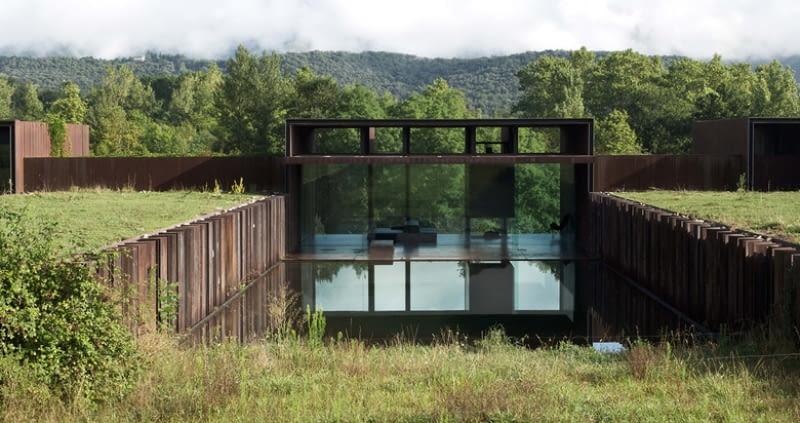 Casa Rural. Proj. RCR Architectos
