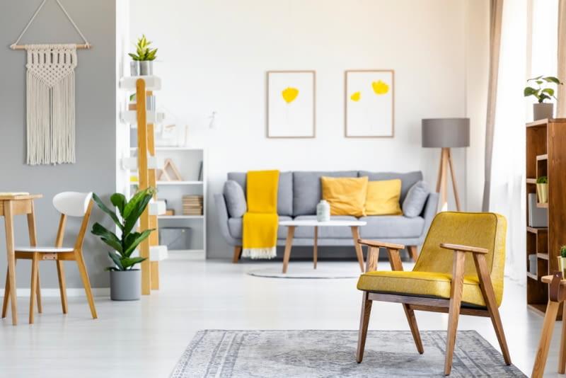Żółty postrzegany jest, jako jedna z optymistycznych, wręcz radosnych barw.