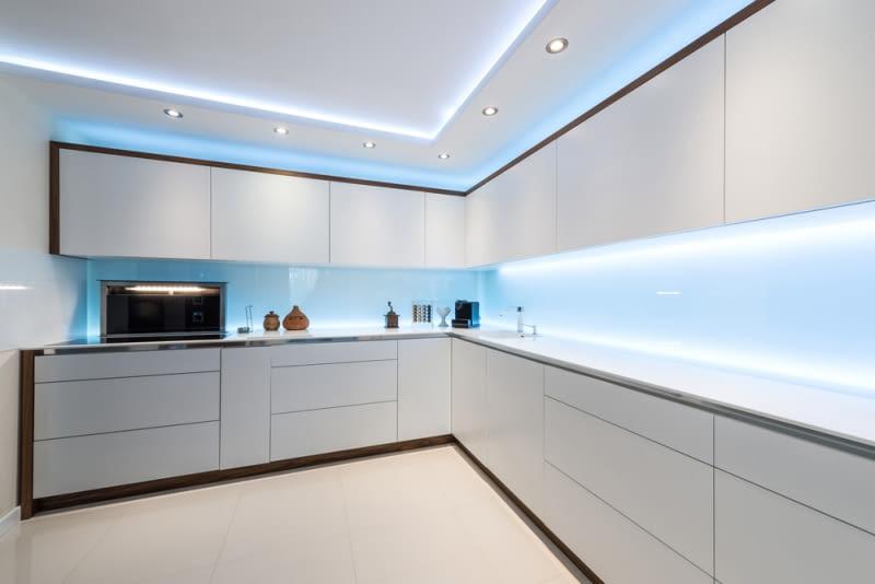 Jak dobrze oświetlić mieszkanie?