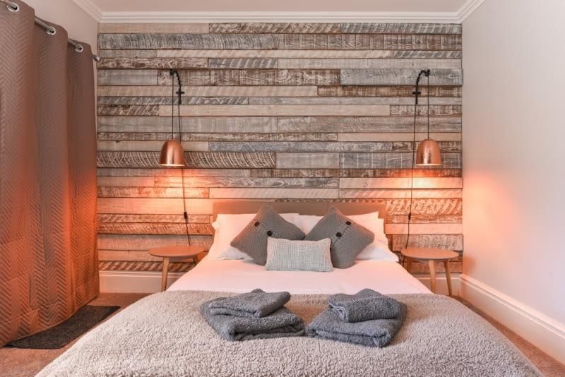 Pełnią one, bowiem funkcję dodatkowe światła - sprawdzają się nie tylko w salonie, ale też w sypialni czy gabinecie