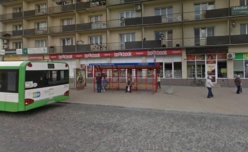 Tak teraz wygląda przystanek na Placu Niezależnego Zrzeszenia Studentów w Białymstoku.