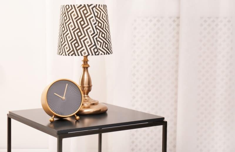 . Ich główną zaletą jest niewielki rozmiar i możliwość przenoszenia lamp w dowolne miejsca.