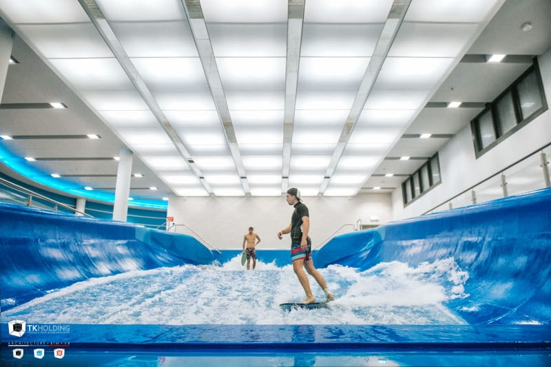 Wodny Park Tychy - symulator surfingu.