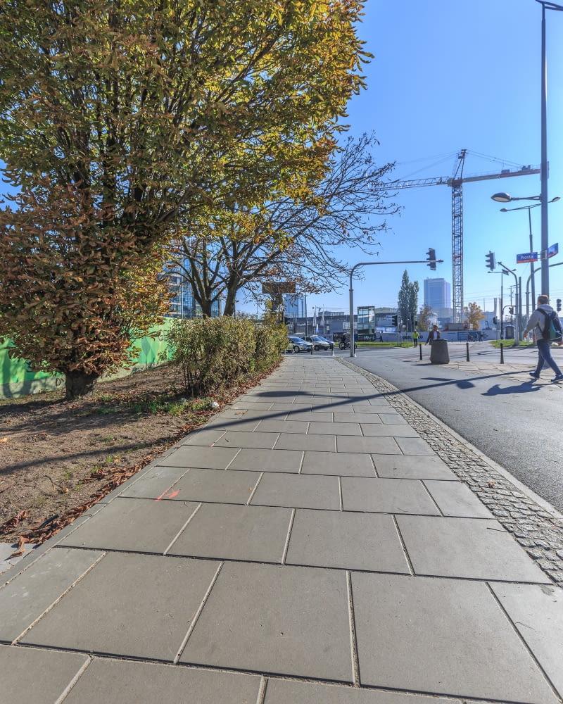 Betonowy chodnik antysmogowy w Warszawie
