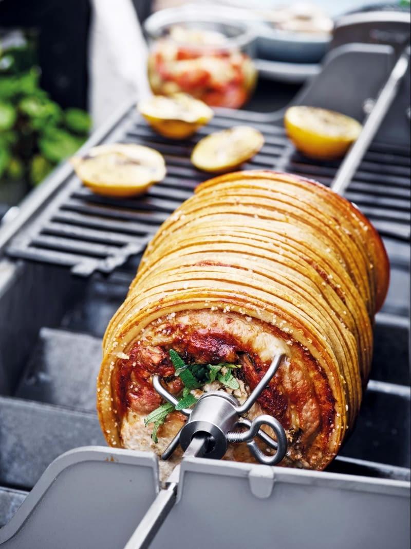 Obrotowy rożen mogą mieć wszystkie typy grillów