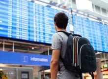 Kiedy kupować bilet na samolot, żeby było najtaniej?