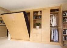 Łóżko w szafie