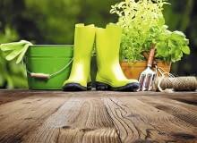 Wygodne ubranie i lekkie narzędzia pozwolą z przyjemnością wykonywać jesienne prace.