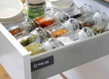 Strefa przechowywania w kuchni – jak ją zorganizować?
