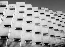 Budynek mieszkalny przy ulicy Koziej 9 w Warszawie