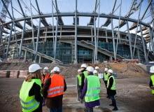 W ramach festiwalu 'Warszawa w budowie 2', odbyła się wycieczka na plac budowy Stadionu Narodowego, prowadzona śladem koncepcji JSK Architekci - autorów projektu. Uczestników oprowadzał wiceprezes firmy JSK Architekci, Mariusz Rutz.
