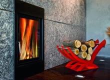 Stojak na drewno ze stali lakierowanej, firma Mopo. Cena: 389 zł