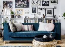 Piękna tapicerowana kanapa w salonie