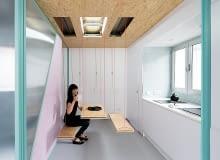 mieszkanie ze schowkami, małe mieszkanie, pomysłowo urządzone mieszkanie, mieszkanie w pastelowych kolorach, płyta osb w mieszkaniu
