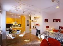 Kolorowe mieszkanie w Petersburgu - salon.