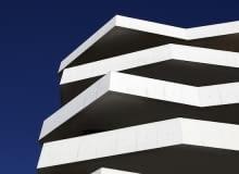 Na zębatych platformach, Living Foz, Porto, Portugalia, proj. dEMM arquitectura