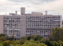 """Kadr z filmu """"Babcia i Le Corbusier"""" (Bonne Maman et Le Corbusier), Reż. Marjolaine Normier"""