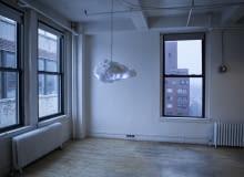 Fantazyjna lampa w kształcie chmury. Idealna do pokoju dziecięcego lub sypialni.