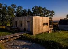 'Dom z klocków' - budynek z prefabrykatów zbudowany w ciągu siedmiu dni, projekt: Maria Rauch, Zofia Rauch, Tomasz Żemojcin