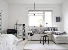 małe mieszkanie, mieszkanie w czerni i bieli, kawalerka, eleganckie mieszkanie
