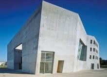 Brutalistyczny kościół w Niemczech