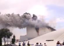 Nowy budynek Centrum Heydara Aliyeva projektu Zahy Hadid w Baku stanął w poniedziałek w płomieniach