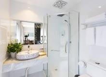 kabiny prysznicowe, meble łazienkowe