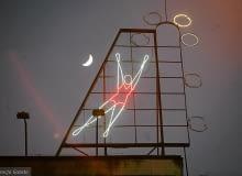 Neon 'Siatkarka' w Warszawie