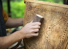 Renowacja starych mebli krok po kroku, czyli drugie życie drewna