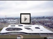 Rolex Learning Centre projektu japońskiego duetu architektonicznego SANAA