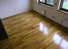 podłoga lakierowana, iroko