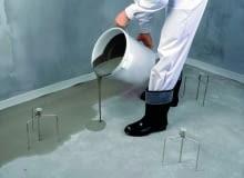 Równy i jednakowy poziom podłogi pomagają utrzymać repery
