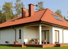 Dachówka ceramiczna czy cementowa - którą wybrać?