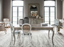 Stół z kolekcji Grange Medaillon