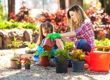 Dlaczego warto angażować dzieci w prace w ogrodzie?