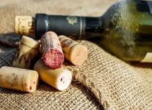 wino, nalewki, trunki, kieliszki, kuchnia