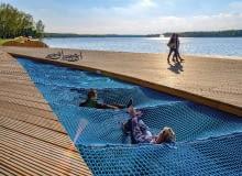 Plac zabaw w Tychach nad jeziorem Paprocany